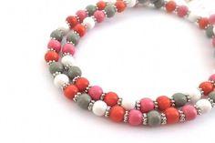 Holzketten - Kette Holzperlen rosa grau weiß orange Tibetsilber - ein Designerstück von Inezza-Geschenke bei DaWanda