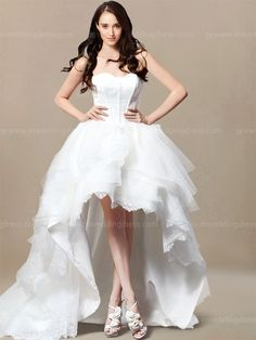 Certainly Not For The Average Bride High Low Wedding Dress Trend Provides A Bold And Modern Take On Hemlines Some Dresses Are Total