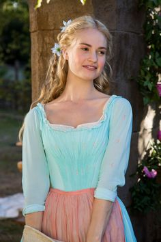 Cinderella --Lily James as Ella-- beautiful hair and costumes in this gorgeous movie Cinderella 2015, Cinderella Movie, Cinderella Pictures, Cinderella Live Action, Cinderella Costume, Robes Disney, Have Courage And Be Kind, Mode Kpop, Beauty And Fashion