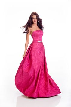 Kimberly Castillo Miss Dominican Republic in evening dress for Miss Universe.