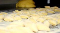 Topfentascherln made by Sascha Hoffmann Austria, Cookies, Desserts, Food, Essen, Crack Crackers, Tailgate Desserts, Deserts, Biscuits