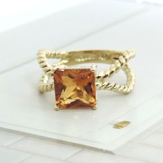 """CITRINE """"X"""" STYLE ROPE 14K YELLOW GOLD BAND"""