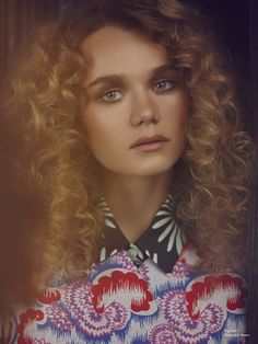 Top 66 Women's Curly Hair for 2019 Wavy bob hairstyles with luscious curls and texturized ends are perfect effortless options for summer when frizzy hair is not a rare thing. Imogen Waterhouse, Immy Waterhouse, Wavy Bob Hairstyles, Wavy Bobs, Model Agency, Dna, Curly Hair Styles, Curls, Photoshoot