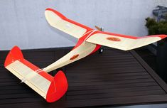 Classy Gassie by Walt Musciano from Model Craftsman 1947 - pic Model Airplanes, Models, Craftsman, Classy, How To Plan, Fun, Vintage, Templates, Artisan