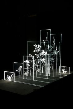 British Glass Biennale People's prize and craft&design award winners Design Despace, Display Design, Light Art, Art Sculpture, Sculptures, Instalation Art, Licht Box, 3d Studio, Exhibition Display