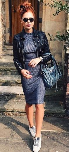 We love this knit dress styled with a structured black jacket: perfect combo!