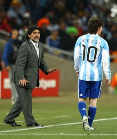 Diego Maradona and Lionel Messi Photos Photos: Argentina v Mexico: 2010 FIFA World Cup - Round of Sixteen God Of Football, Football Icon, Best Football Players, Good Soccer Players, World Football, Soccer World, Football Kits, Sport Football, Fc Barcelona