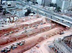 Início das obras de construção da praça Roosevelt, fevereiro de 1968.