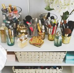Beauty companies know just what to say on those fancy ingredient lists to sucker us in. Don't worry. We, too, have been victims of spendi...
