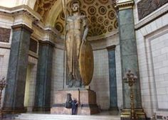 Capitolio Havana Angelo Zanelli - The Statue of the Republic forms part of the trilogy of monumental statues in the Capitol. Its companions, which stand before the main entrance, symbolize the Guardian Virtue and Work