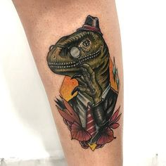 Velociraptor que fiz na @emi_kitty nesse final de semana !! Curti demais fazer esse trabalho !! #tattoo #tatuagem #dino #dinosaur #tatuadoresbrasileiros #neotradsub #neotraditionaltattoo #neotraditional #newtraditional #newtrad #folllow #followme #jacarei #sjc #sp #brasil #valedoparaiba #traditional #collorsbrasil #rose #theartoftattooing #thebesttattooartists #art #sullen #inked #tattooistartmag #tradworkers #tattooworkers #inkedgirls