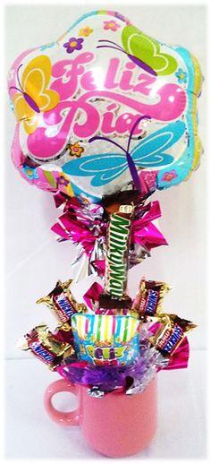 Contamos con #Arreglos de Globos con Chocolates y Taza para celebrar a las #Secretarias este 26 de #Abril!! Ideas Para, Baskets, Balloons, Candy, Snacks, Cookies, Desserts, How To Make, Surprise Gifts