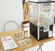 Mini-zines in a coin-operated dispenser? Eeek!