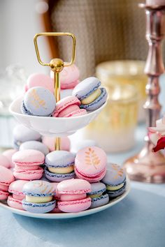 Golden details on delicious Macarons painted by www. Macaron Tower, Rock Design, Macarons, Rose Quartz Serenity, Cupcakes, Square Cakes, Sunday Brunch, Color Of The Year, Event Styling