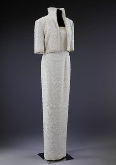 State Evening Ensemble of Silk with Pearl Beading for Diana, Princess of Wales. London, 1989.