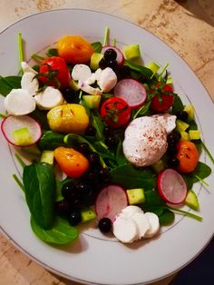 Caprese Salad, Salads, Vegetables, Healthy, Food, Essen, Vegetable Recipes, Meals, Health