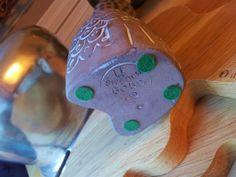 uggla - mari simuelsson- uppsala - ekeby - 18 cm hög. en fin uggla av marie simuelsson som var på uppsala ekeby. ugglan är 18 cm hög.