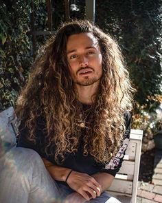 Dark Curly Hair, Curly Hair Men, Curly Hair Styles, Mens Hair, Lomg Hair, Asian Men Long Hair, Beautiful Men, Beautiful People, White Man