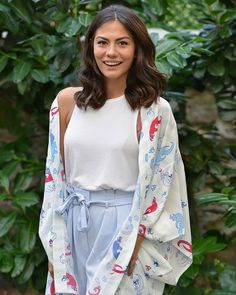 Amo esse sorriso 😁❤😍 ° ° ° ° ° ° ° ° ° by Özdemir Dress Outfits, Cool Outfits, Summer Outfits, Fashion Outfits, Diy Embroidery Shirt, Turkish Women Beautiful, Hottest Female Celebrities, Turkish Fashion, Street Style Summer