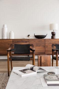 Living room / Home decor / Interior design / Mid-century furniture Interior Design Kitchen, Modern Interior Design, Interior Design Inspiration, Design Ideas, Kitchen Decor, Modern Furniture Design, Modern Decor, Eclectic Modern, Minimalist Furniture