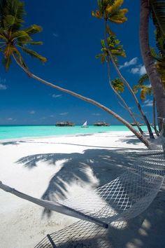 YES, in het najaar ga jij naar het adembenemende BALI  Op dit eiland kijk je echt je ogen uit, want WAUW, wat is het hier mooi  Spot de mooiste tempels, aapjes of leg je handdoek op één van de witte stranden, whatever you like ✨ Slapen doe je in een luxe 4⭐⭐⭐⭐ hotel https://ticketspy.nl/deals/adembenemend-b-a-l-i-10-dagen-in-een-luxe-4-hotel-va-e602/