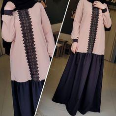 _ Очень удобное платье, спереди замочек,есть кармашки и рукав на кнопочках🍃И на него мы объявляем скидку 17%🔊И тааак вместо 3600₽ оно будет всего лишь 📣2988₽ Успейте приобрести, скидка действует в течении 3х дней🔔🔔🔔 Niqab Fashion, Muslim Fashion, Girl Fashion, Womens Fashion, Mode Abaya, Mode Hijab, Muslim Dress, Hijab Dress, Abaya Designs
