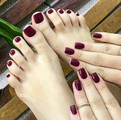 Winter Short Nail Acrylic Square To Try Now 30 - Nails Tip Toe Nail Color, Toe Nail Art, Nail Colors, Toe Nail Polish, Hair And Nails, My Nails, Fall Toe Nails, Black Toe Nails, Dark Red Nails