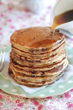Banana Nutella and Oatmeal Pancakes: 1 cup all purpose flour,  1/4 cup quick oats,  1 teaspoon baking soda,  1/4 teaspoon kosher salt,  2 tablespoons granulated sugar,  1 large banana, mashed,  1 cup buttermilk,  1 tablespoon extra virgin coconut oil,  1 large egg,  1/2 teaspoon pure vanilla extract,  1/4 cup Nutella