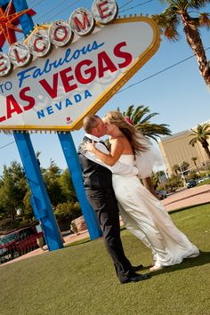 Seal it with a Nevada, Las Vegas Sign, Seal, Kiss, Kisses, Harbor Seal, A Kiss