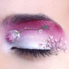 Dried flower eye