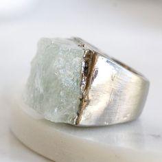 anillo aguamarina crudo / marcha birthstone materia prima piedra anillo / minerales anillo materia prima anillo de piedras preciosas / aguamarina joyas / joyas de piedra