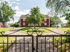 Ett av de vackraste objekten på Hemnet just nu är Slätthögs prästgård i Moheda, Alvesta.