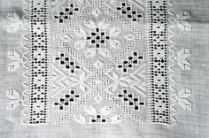 38698 (600×399) Hungarian Embroidery, Hardanger Embroidery, Types Of Embroidery, Folk Embroidery, Embroidery Patterns Free, Hand Embroidery Stitches, Embroidery Designs, Fabric Embellishment, Drawn Thread