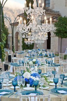 Boda lámparas azul Chandelier, Ceiling Lights, Table Decorations, Lighting, Home Decor, Blue Lamps, Weddings, Candelabra, Decoration Home
