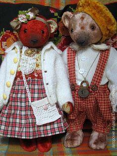 Vintage style teddy bears
