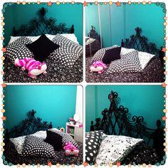 Quarto parede turquesa com cama de ferro antiga preta!!! Lindo!!