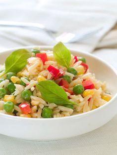 Sommer-Salate sind jetzt gefragt! Wir zeigen Ihnen leckere und raffinierte Rezepte für Salat, der Ihnen garantiert nicht schwer im Magen liegt.