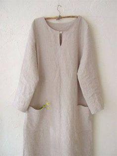 Linen classique Kätzchen Kätzchen Kätzchen It would make a great… Linen Tunic, Linen Blouse, Linen Dresses, Cotton Dresses, Mode Chic, Boho Fashion, Womens Fashion, Mode Hijab, Pulls