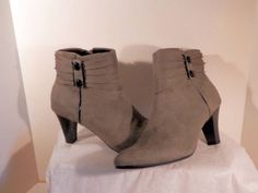 "Gorgeous Life Stride 10 M Ankle Boots Grey Suede ""Yesterday"" 3""Heel $69.77"