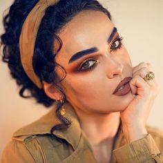 Credit to : We love s bold blue brows She used Circuit Liquid Set Lipstick To achieve those beautiful brows Melt Cosmetics, Makeup Cosmetics, Makeup Geek, Beauty Makeup, Dior Makeup, Makeup Addict, Selfies, Creative Eye Makeup, Girls With Black Hair
