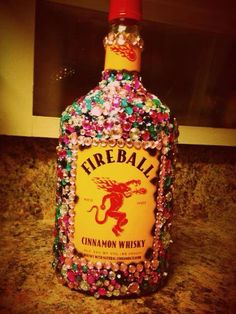 bedazzled alcohol makes a great bridesmaid gift 21st Bday Ideas, Birthday Ideas, Alcohol Bottle Decorations, Cute Gifts, Diy Gifts, Bedazzled Bottle, Alcohol Bouquet, Decorated Liquor Bottles, Pop Bottles