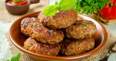 Juicy delicious cutlets with oatmeal. Superfood, Healthy Breakfast Recipes, Healthy Recipes, How To Make Oats, Cutlets Recipes, Bulgarian Recipes, Indian Breakfast, Tandoori Chicken, Fruit
