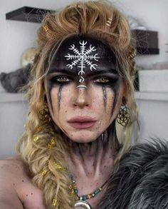 Krieger Make-up, Viking Face Paint, Viking Makeup, Warrior Makeup, Viking Warrior Woman, Tribal Makeup, Vegvisir, Hair Rings, Fantasy Makeup