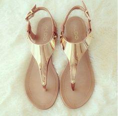 Golden sandals #sandalssuch                                                                                                                                                      Más