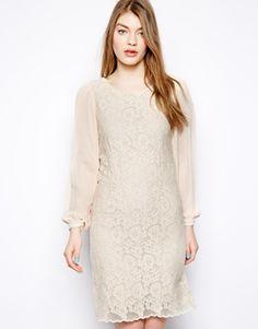 Vestido de encaje texturizado de Yumi -Material: polyester -Price: €63