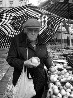 Apples by Marco Mayer, via Flickr | #bw #blackandwhite #black #white #grey #umbrella #people #iphoneography