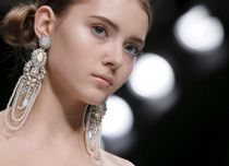 Guo Pei Haute Couture Spring/Summer 2016 collection
