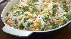 Talvez você não conheça como Arroz Yakimeshi, e sim como Chop Suey, arroz chinês. Ou Arroz Primavera. Na verdade tanto faz a nomenclatura ...