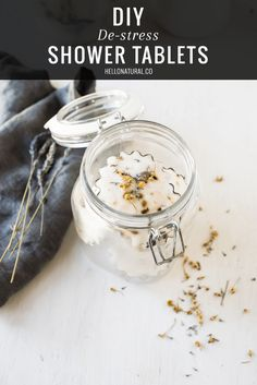 6 Aromatherapy Blends for DIY Bath Salts – Janice Smith 6 Aromatherapy Blends for DIY Bath Salts DIY: De-stress Aromatherapy Shower Tablets Belleza Diy, Tips Belleza, Diy Para A Casa, Shower Bombs, Bath Bombs, Diy Spa, Tablets, Hygiene, Homemade Beauty Products