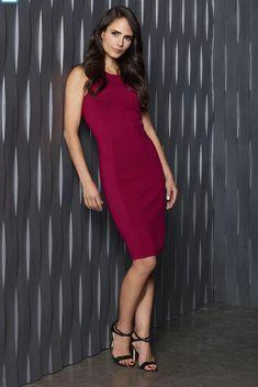 Sexy Celebrity Legs And Feet Beautiful Celebrities, Beautiful People, Beautiful Women, Taurus, Brunette Actresses, Michelle Rodriguez, Hollywood, Hot Brunette, Vin Diesel
